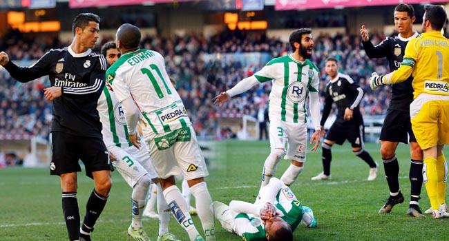 Ronaldo'dan 2 yumruk, 1 tekme!