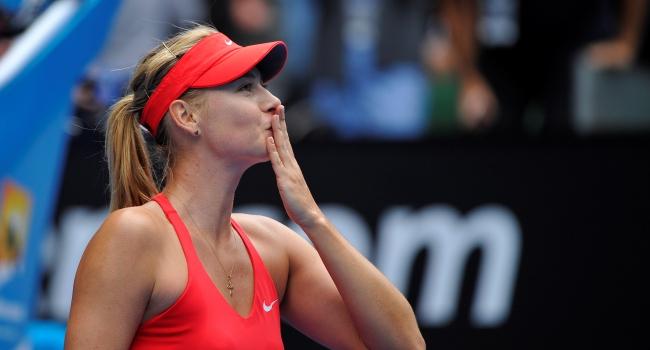 Sharapova yarı finale yürüdü