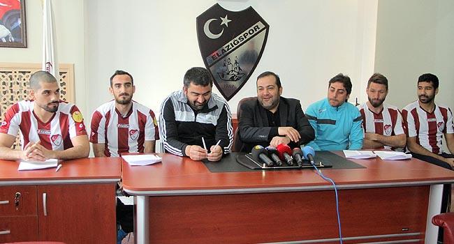 Elazığspor'dan imza şov
