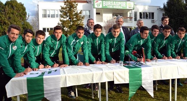 Bursaspor'dan 13 imza birden!