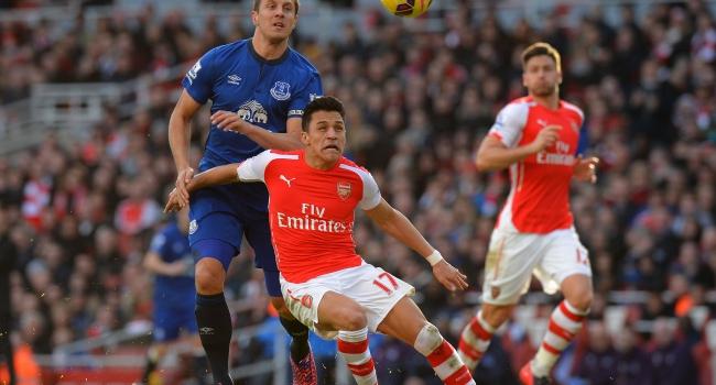 Arsenal kazandı Mesut yıldızlaştı!
