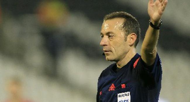 Cüneyt Çakır'a UEFA'dan görev!