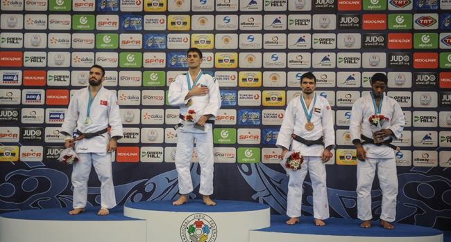 Hasan Vanlıoğlu'ndan gümüş madalya