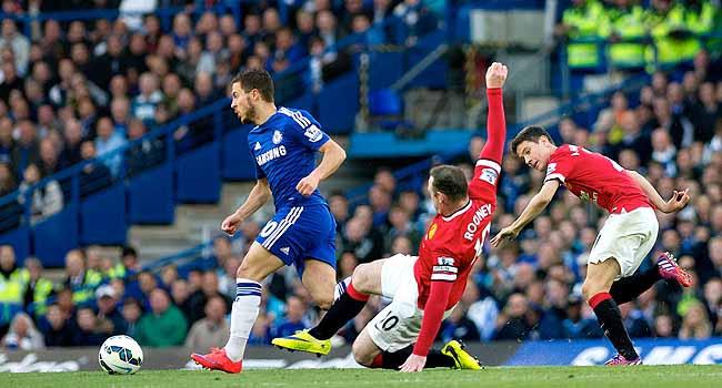 Chelsea ManU'yu Hazard'la yıktı