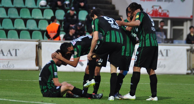 Denizlispor'dan teknik ekibe destek!