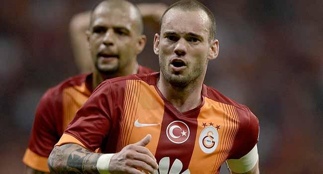 Sneijder, G.Saray'ın ilk transferini açıkladı