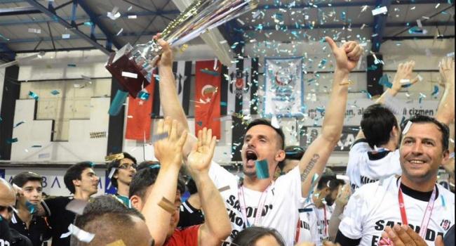 Beşiktaş kupasını aldı!