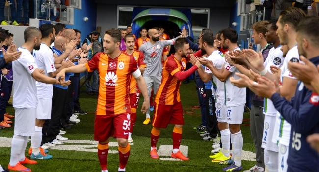 Rizespor, Galatasaray'ı alkışladı