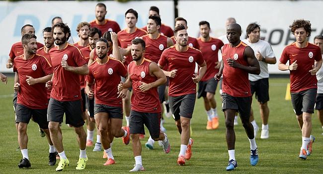 Galatasaray'da ilk antrenmana kimler katıldı?
