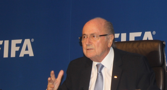 Blatter, IOC üyeliğini bıraktı