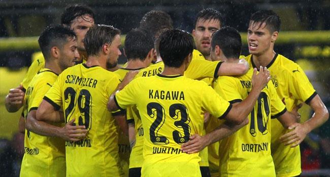 Dortmund rakibini dağıttı!