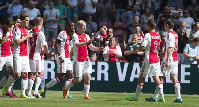 Ajax şov yaptı