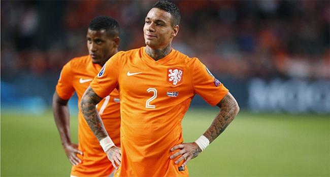 Hollanda'ya evinde büyük şok!