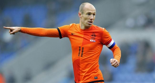 Robben 1 ay yok!