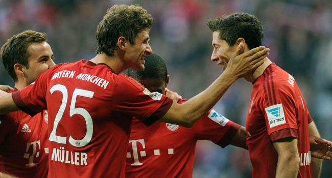Bayern, Dortmund'u sahadan sildi!