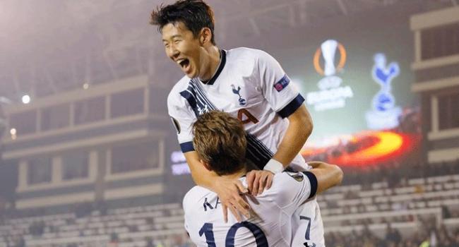Tottenham zirveyi bırakmadı