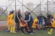 Kadın futbolunda saç saça baş başa kavga