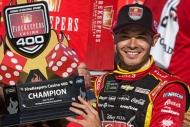 NASCARda damalı bayrağı ilk gören Larson oldu