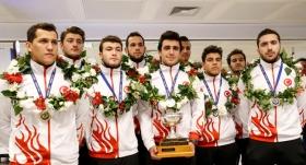 Dünya şampiyonu milliler Türkiye'ye döndü