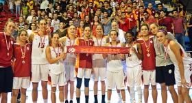 AGÜ'yü deviren Galatasaray şampiyon oldu
