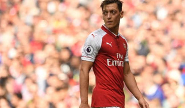 Arsenal, Mesut Özil'i göndermeyi planlıyor