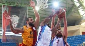 Trabzonspor'dan Galatasaray Odeabank'a fark