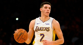 Lakers'ın çaylağı yine 'triple-double' yaptı