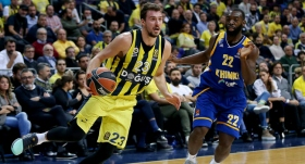 Fenerbahçe Doğuş, Khimki'yi yıktı