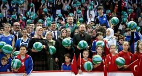 Hidayet Türkoğlu, 10 bin basketbol topu dağıttı