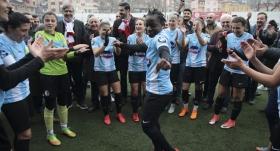 Şampiyon Ataşehir Belediyespor