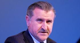 Bakan Bak'tan Vakıfbank'a tebrik mesajı