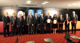 Galatasaray'da divan kurulu üyeleri, mazbatalarını aldı