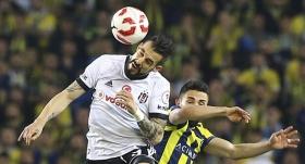 Fenerbahçe - Beşiktaş maçı durdu!
