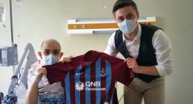 Trabzonsporlu futbolculardan anlamlı hareket