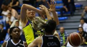 Derbiyi Fenerbahçe kazandı seriyi 1-0 yaptı