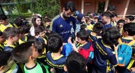 Minik öğrencilerden Fenerbahçe'ye ziyaret