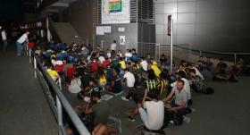 Fenerbahçeli öğrencilerden kombine kuyruğu