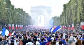 Fransa'da şampiyonluk sevinci