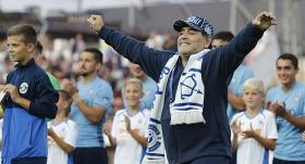 Maradona yeni görevine başladı