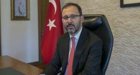 Bakan Kasapoğlu, Sümeyye Boyacı'yı kutladı