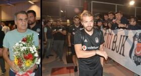 Beşiktaş kafilesine Erzurum'da sabaha karşı çiçekli karşılama