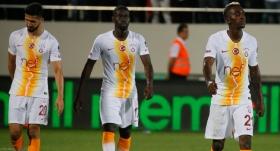 Galatasaray, liderliği Akhisar'da bıraktı