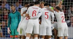 İngiltere ilk yarıda işi bitirdi