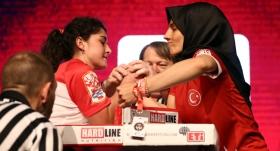 Dünya Bilek Güreşi Şampiyonası'nda heyecan sürüyor