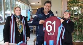 Fanatik abla kardeşin Trabzonspor aşkı