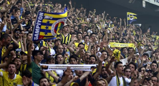 Süper Lig maçlarını statta izleyenlerin sayısı arttı - TRT Spor ...