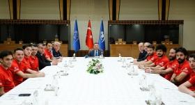 Ampute Mililer, Cumhurbaşkanı Yardımcısı Oktay'ı ziyaret etti