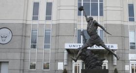 ABD'de heykeli dikilen sporcular