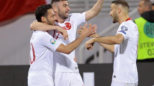 Milliler Arnavutluk'u mağlup etti