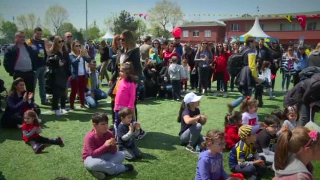 Fenerbahçe 23 Nisan'ın Dereağzı'nda kutladı